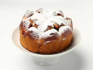 Мини пирог с вишенкой
